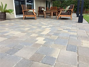 Paverstone Patio 004